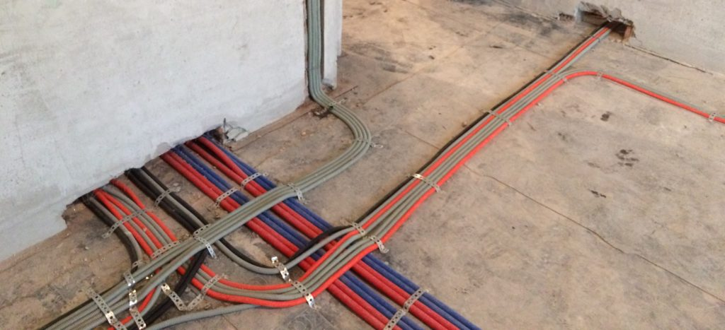 укладка кабеля в квартире